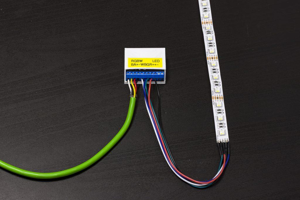 Podłączanie taśmy LED do modułu RGBW