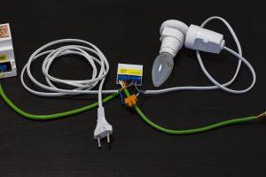 Podłączanie żarówki do modułu 2SSR